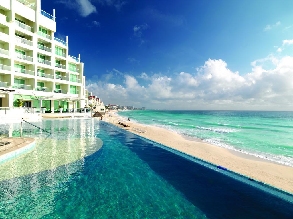 Hot All Inclusive Mexico Nude Vacation Scenes